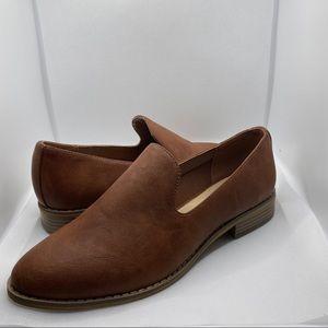 Indigo Rd Brown loafer shoe  NWT